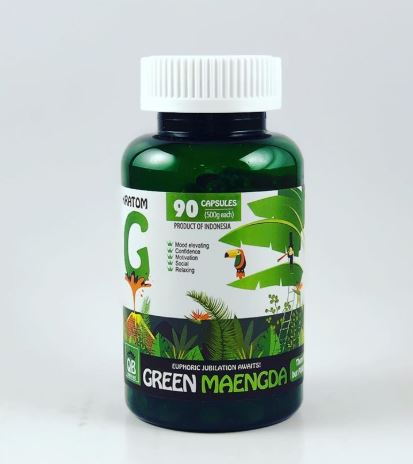 Queen Bee Green Maeng Da Kratom Capsules by Bumble Bee