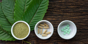 Various types of kratom